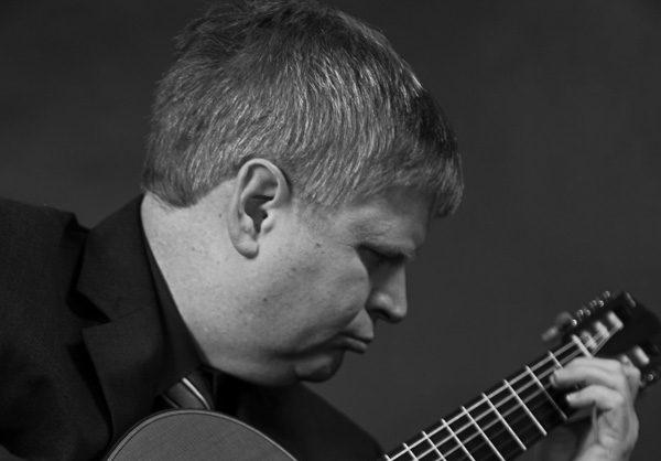 Steve Bell Classical Guitarist
